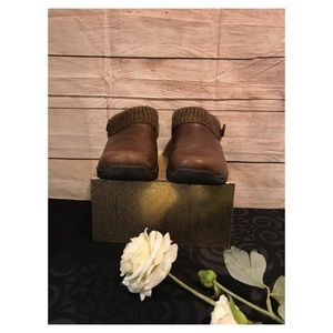 Dansko Men's Brown Leather Clogs Size 5.5